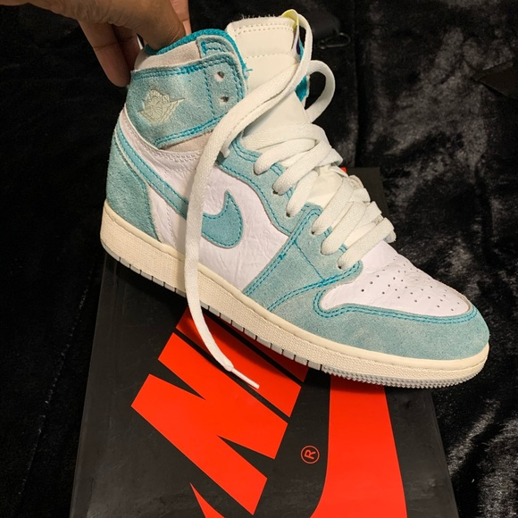 Nike Shoes | Turbo Green S Size 55y